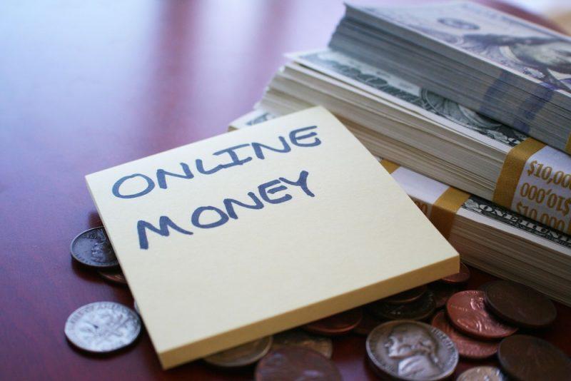 Kredyt gotówkowy przez internet – czy to bezpieczne?
