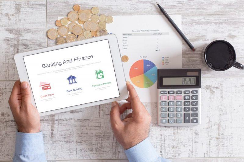 Jak płacić mniejsze raty kredytów – zalety i wady konsolidacji zadłużenia